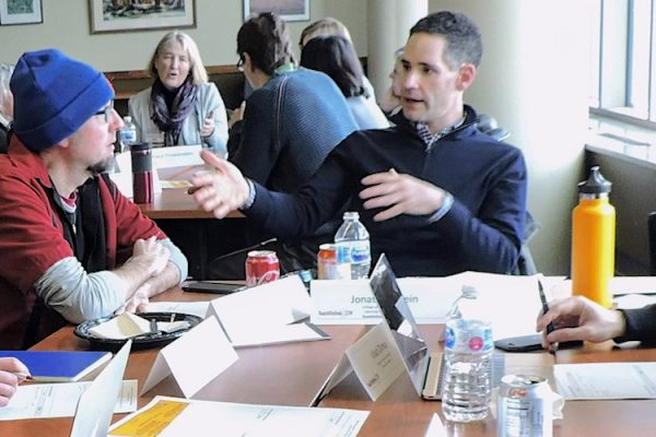 Jonathan Klein facilitates a session of TeachOnline@UW
